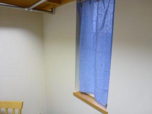 小窓用カーテン