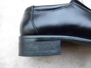 靴とヒールのつなぎ目