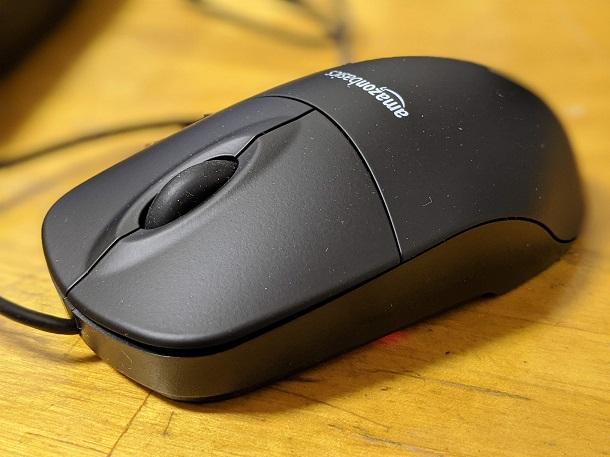 「Amazonベーシックマウス」外観の様子2