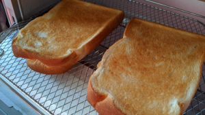 【KAT-A130】トースト表面