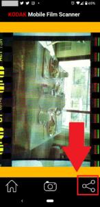 【KODAK Mobile Film Scanner】共有(保存)ボタンを選択